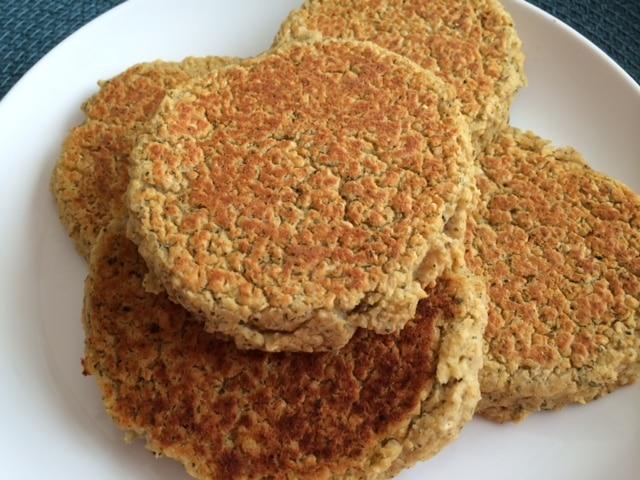 dukkah_chickpea_quinoa_burgers
