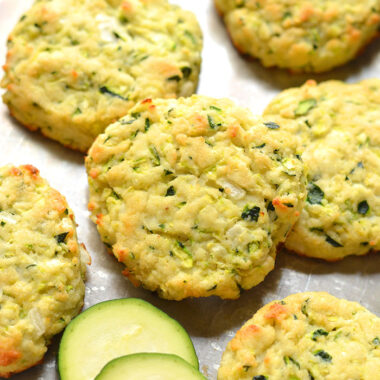 Healthy Zucchini Biscuits are low calorie homemade biscuits made with zucchini and healthy ingredients. Gluten free, dairy free and Paleo friendly too!