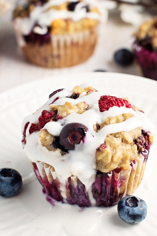 Healthy-Iced-Berry-Oatmeal-Breakfast-Muffins-4