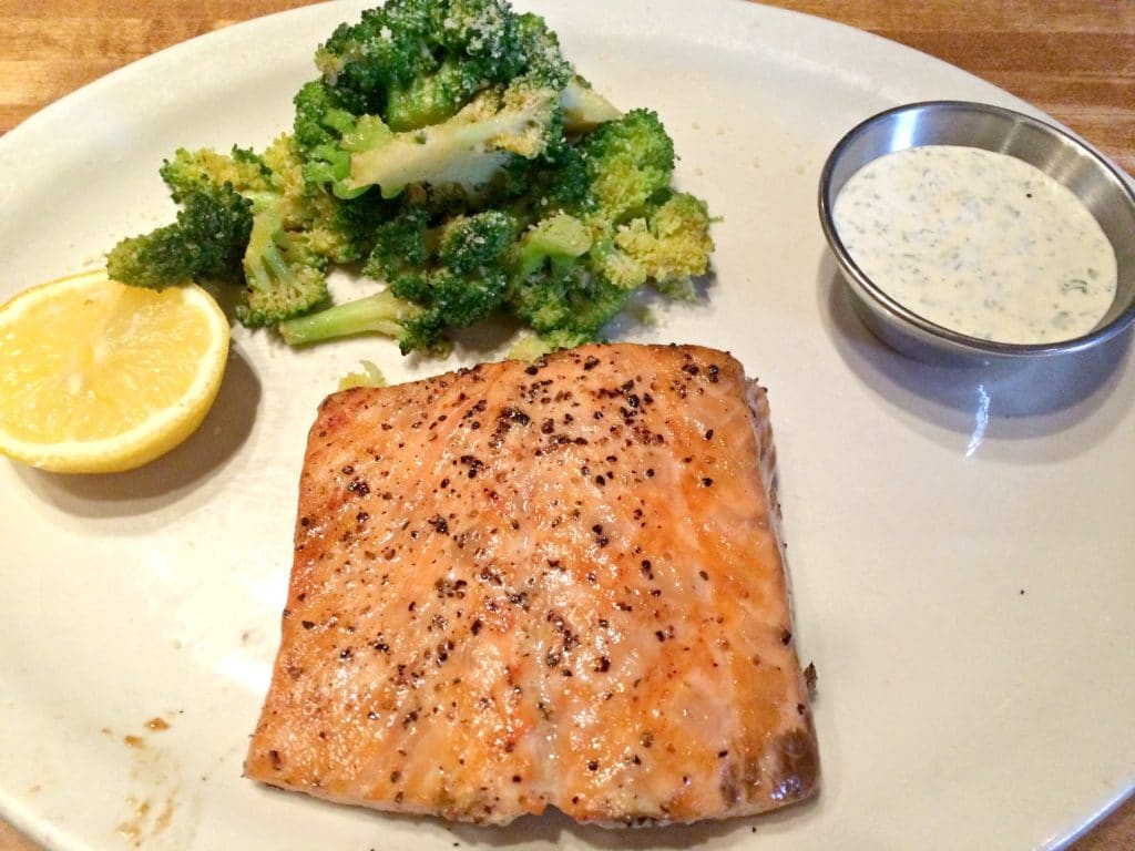 grilled_salmon_broccoli