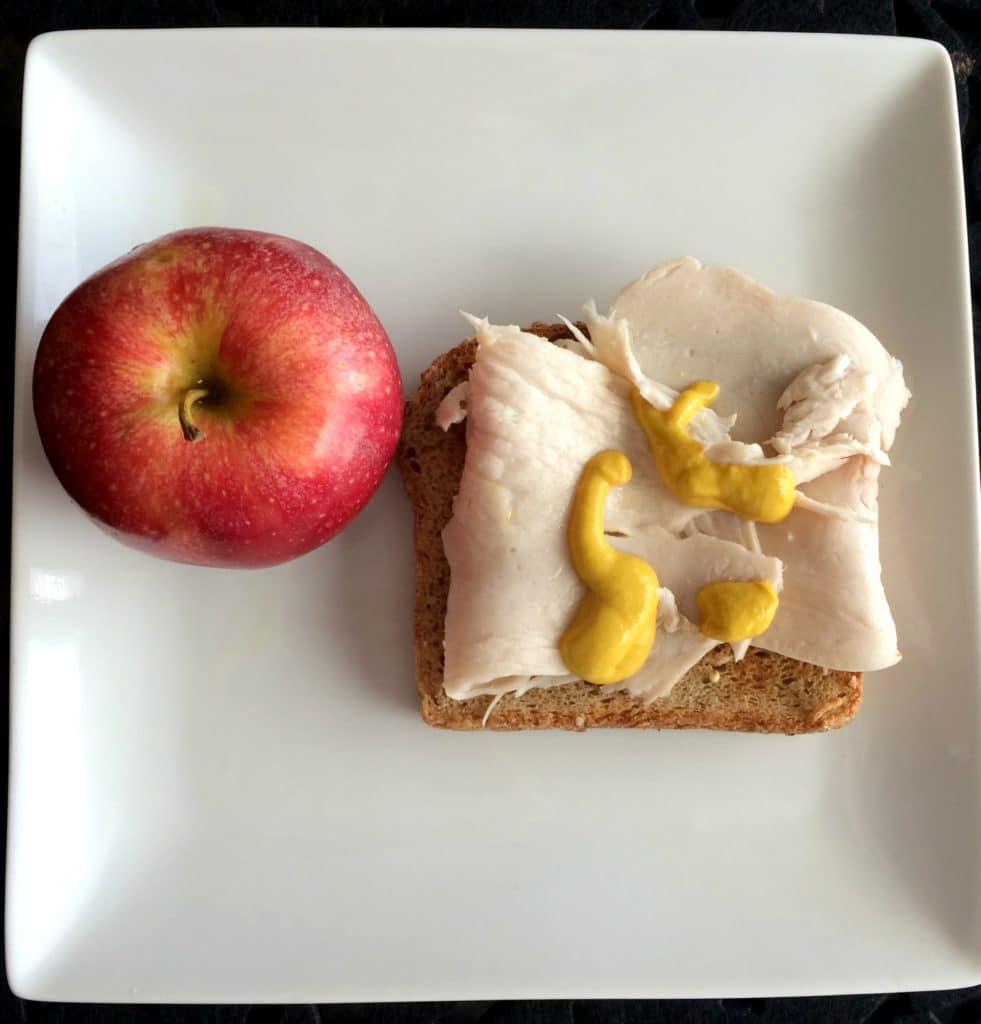 lunch_turkey_sandwich_apple