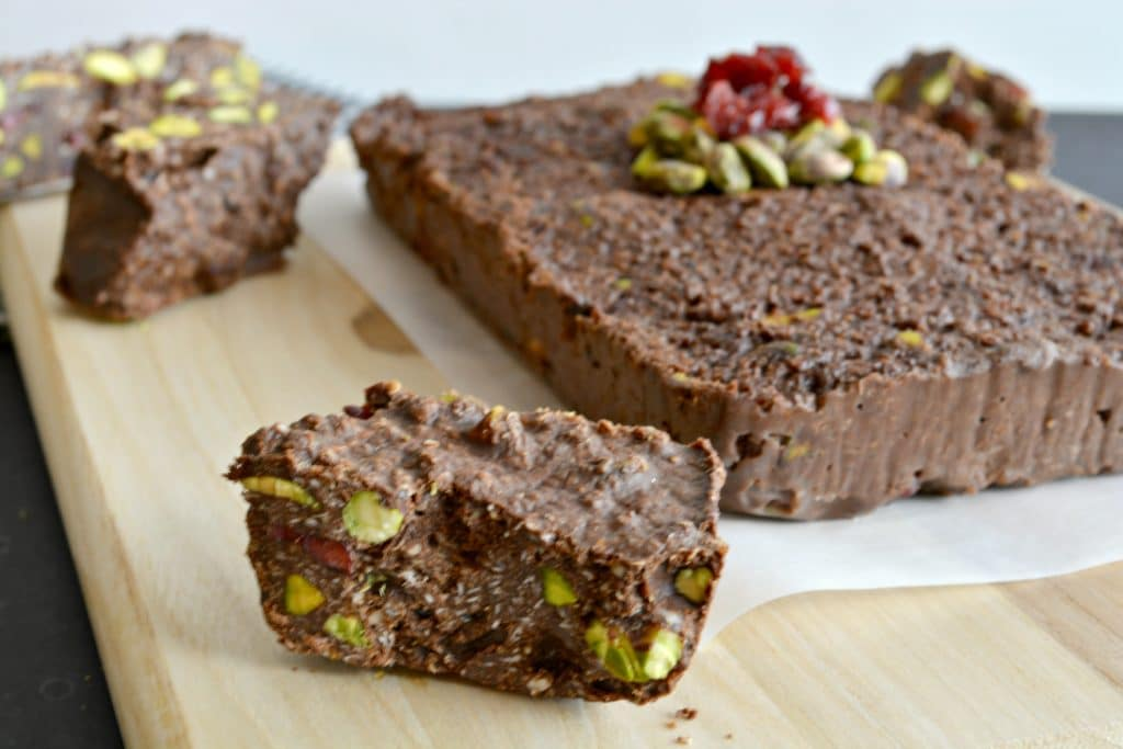 quinoa-pistachio-cranberry-fudge-1