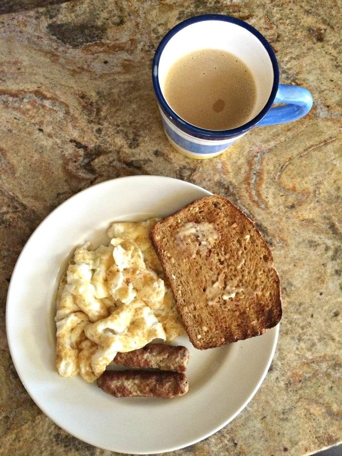 breakfast-eggs-toast-turkey-sausage