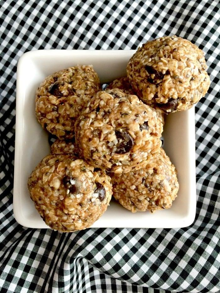 chocolate-pb-oatmeal-bites