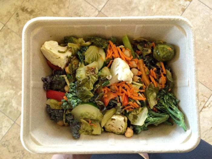 salad-bar-whole-foods-img