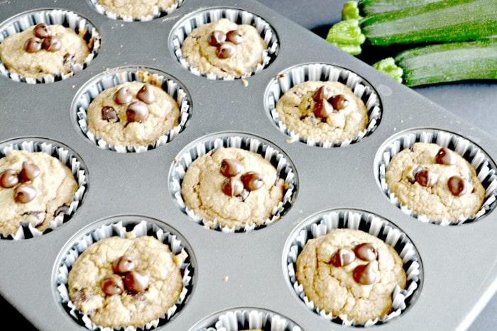 zucchini-chocolate-chip-muffins-img