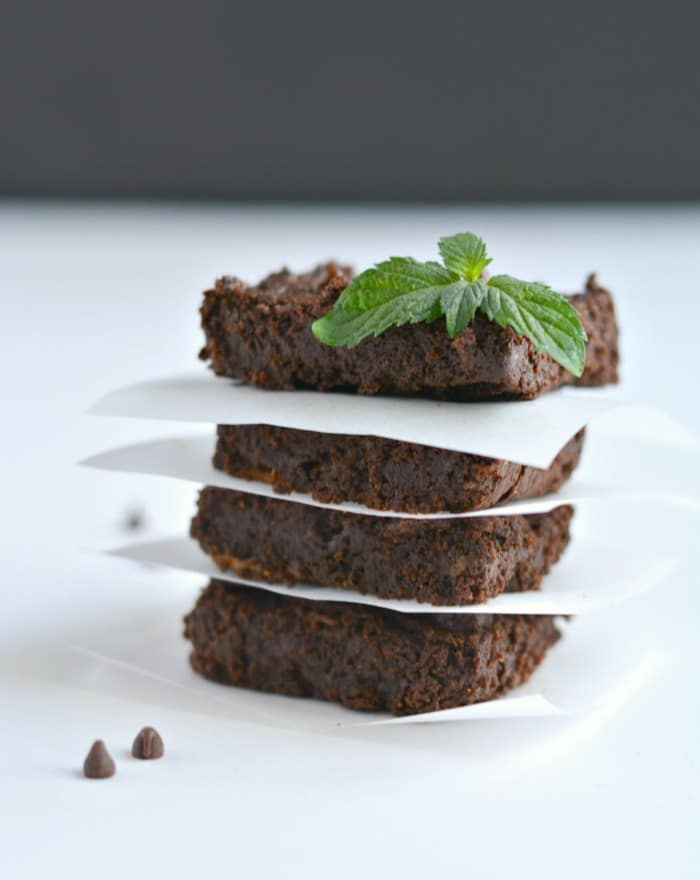 Flourless Mint Chocolate Chip Brownies