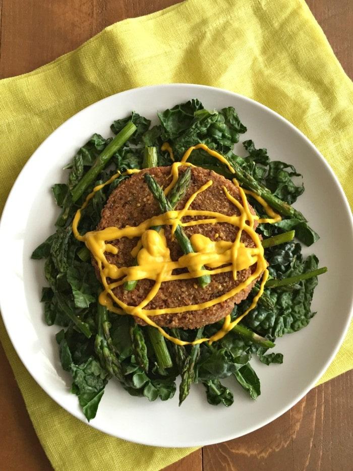 Veggie Burger & Kale