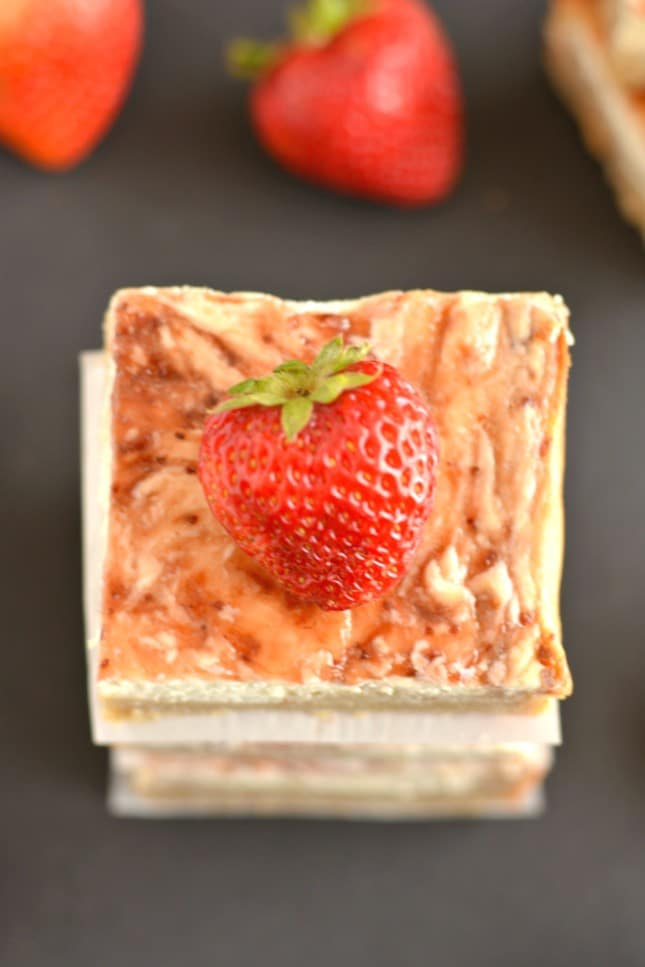 Greek Strawberry Cheesecake Bars