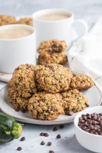 Healthy Zucchini Chocolate Cookies arelow calorie, gluten free and packed with oats and chocolate flavor. A chewy, healthy oatmeal cookie recipe!