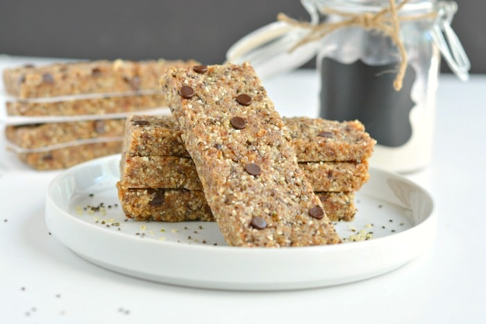 Almond Chia Hemp Flax Bars are homemade superfood granola bars made with oats, dates, almonds, chia, hemp, flax, a touch of chocolate & no added sugar. A naturally sweet and salty snack bar no one can resist!