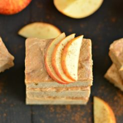 Greek Apple Cinnamon Cheesecake Bars {GF, Low Cal}