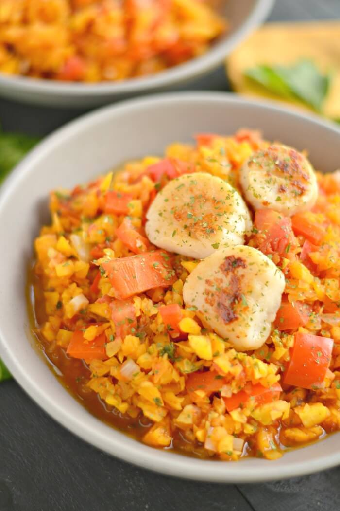 Paleo Scallops & Red Pepper Parsley Butternut Rice! An easy 30 minute veggie packed meal bursting with warm, comforting flavors that pairs with any protein. Gluten Free + Low Calorie + Paleo
