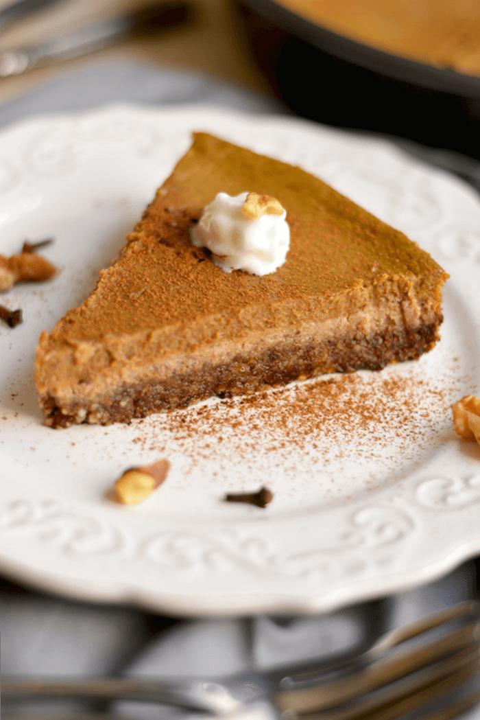 Healthy Pumpkin Pie {GF, Low Cal, Paleo} - Skinny Fitalicious