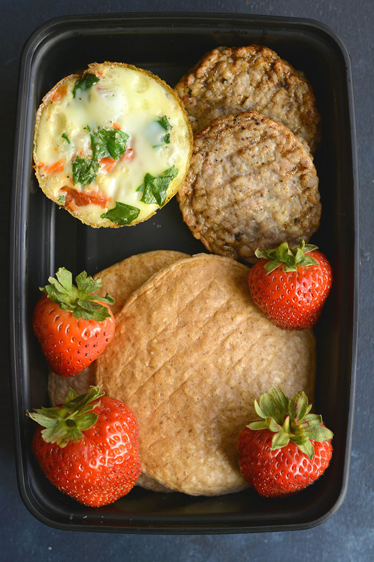 Meal Prep Cauliflower Egg Muffins!Made with cauliflower rice, these eggs have 6 grams of protein &less than 1 gram of carbs. An easy make ahead breakfast! Paleo + Gluten Free + Low Calorie.