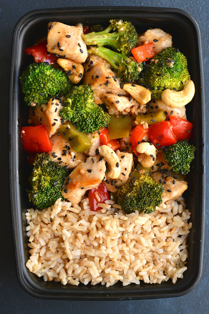 Meal Prep Cashew Chicken! An EASY, 20 minute one skillet meal that's loaded with veggies, crispy chicken & flavor. Cheaper & healthier than take-out! Gluten Free + Low Calorie with Paleo substitutions