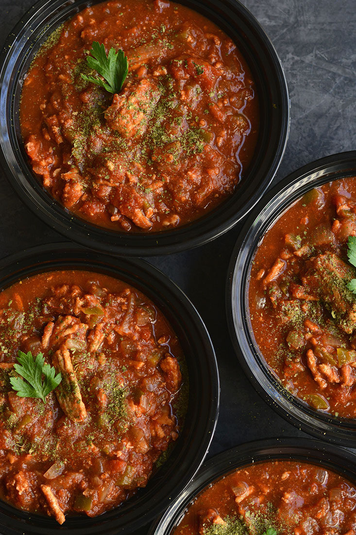 Meal Prep Clean Eating Turkey Chili is Paleo & Whole30 compliant. Made in one pot or a crockpot for an EASY lunch or dinner that's wholesome & satisfying. {Paleo, Gluten Free, Low Calorie}