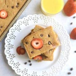 Strawberry Sheet Pan Pancakes {GF, Low Cal}