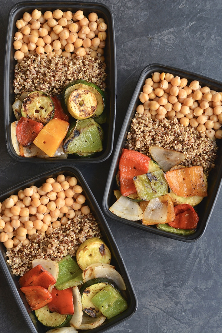 Meal Prep Chickpeas Grilled Veggies! Cumin roasted chickpeas with grilled veggies and quinoa is a meal even meat lovers will love. Packed with nutrition and deliciousness, this recipe makes an easy, healthy meal prep for lunch or dinner! Vegan + Gluten Free + Low Calorie