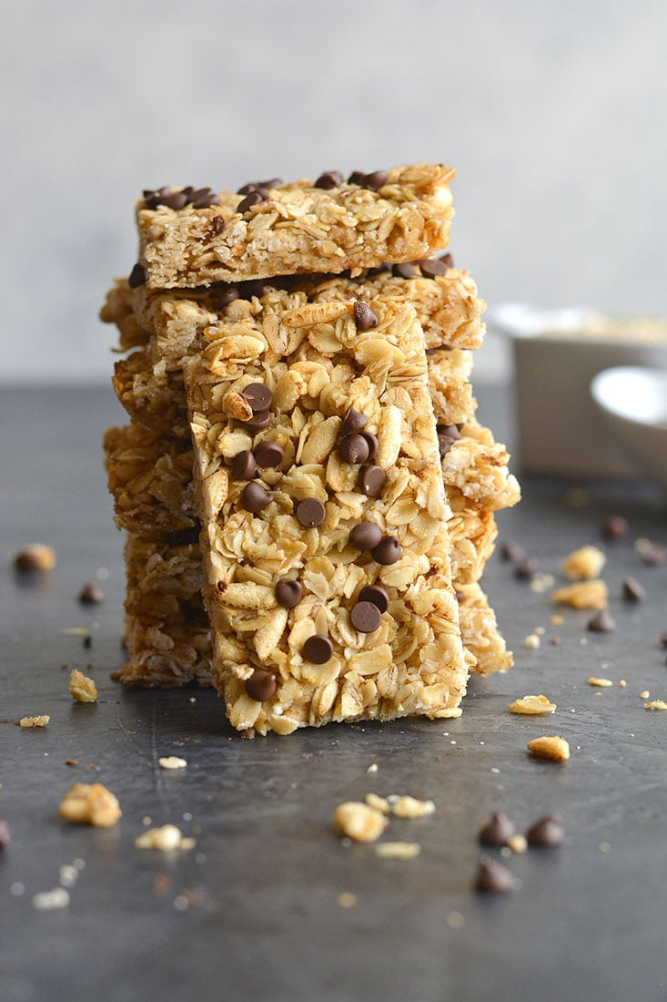 Honey Oats Chocolate Chip Granola Bars! Chewy granola bars made with recognizable ingredients and gluten free. An easy homemadesnack or lunchbox treat! Gluten Free + Low Calorie