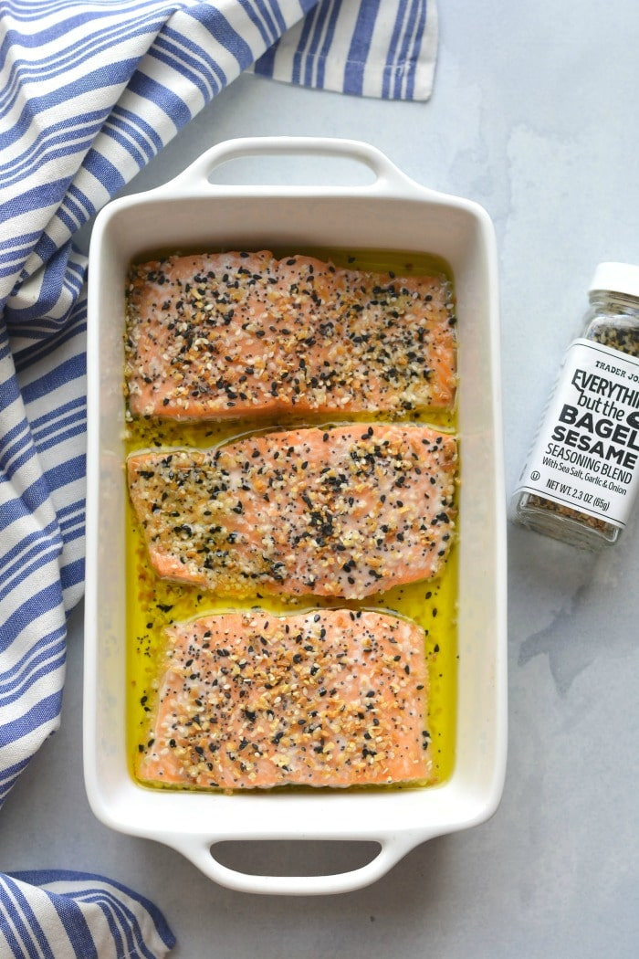 Everything Bagel Salmon! A healthy fish recipe that's Whole30 compliant and baked in 20 minutes. A quick and easy meal that is easy and delicious. Low Carb + Paleo + Whole30 + Keto + Gluten Free + Low Calorie