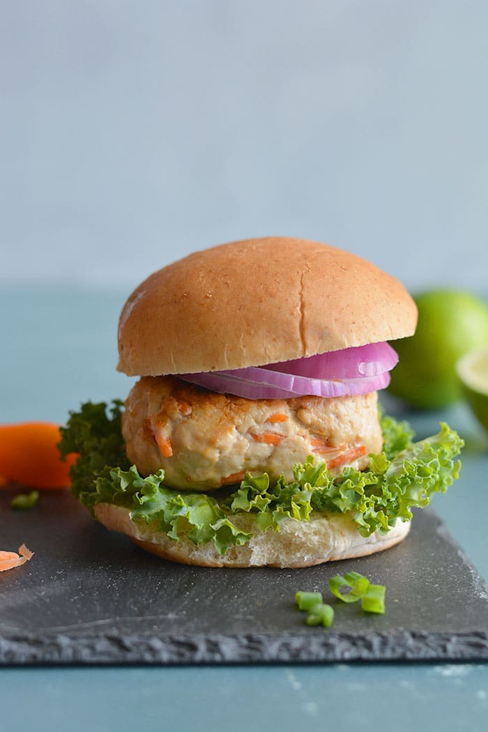Low Carb Turkey Asian Burgers! Freezerfriendly, soy free, veggie loaded burgers seasonedwith Asian spice. Easy to make, healthy and great for meal prep!