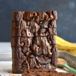 Healthy Chocolate Banana Bread with greek yogurt! Made flourless with gluten free oats and low sugar, this is the perfect healthy low calorie treat! Gluten Free + Low Calorie