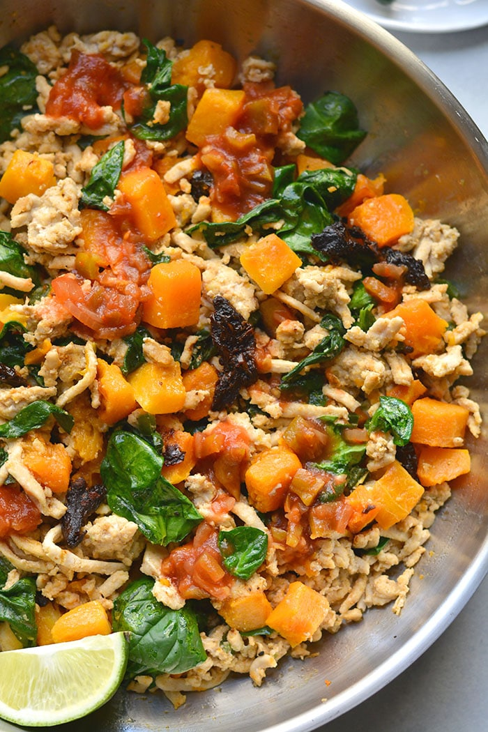 Healthy Mexican Breakfast Hash is a high protein, egg-free breakfast recipe. Meal prep it ahead of time for a low-calorie breakfast!