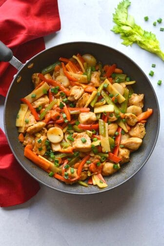 This Healthy Chop Suey recipe is low calorie meal that is lighter than traditional Asian chop suey and it is gluten free!
